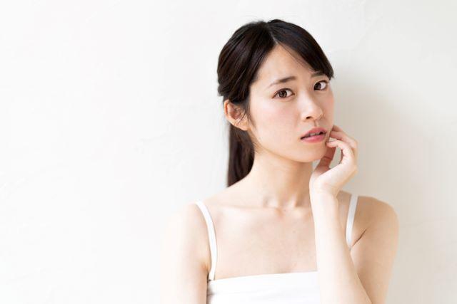 Q1. カナデルで肌が荒れたという口コミを見ました。敏感肌なので心配です